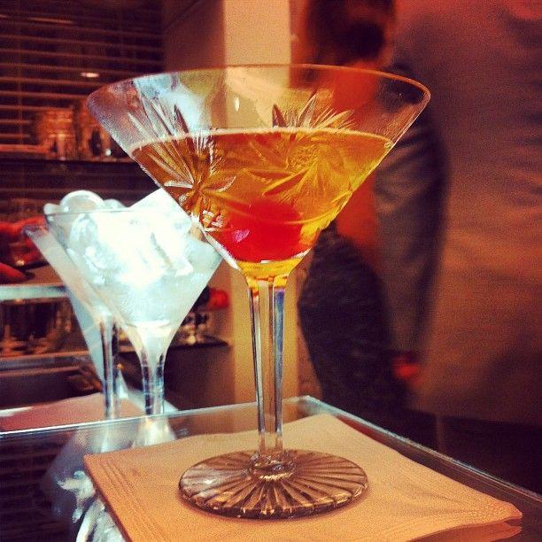 """""""Fruity Tea Martini.  Criação Concept Bar para a loja LB Home.  Composição: Vodka, cointreau, limão siciliano e infusão de chá de frutas vermelhas com canela em pau!  #concetpbar #bar #drinks #ocharmedafesta #lbhome #artefacto"""" Photo taken by @concept_bar on Instagram, pinned via the InstaPin iOS App! http://www.instapinapp.com (06/04/2013)"""