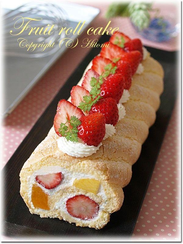 .strawberry cake roll