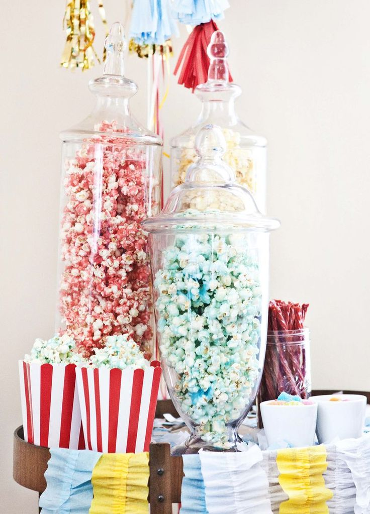 Koolaid popcorn recipe  Flavored Popcorn, recipe adapted from here.   6 quarts popped popcorn 2 cups sugar 1 cup light corn syrup 2/3 cup butter 1 packet of Kool-aid (choose your flavor) 1 teaspoons baking soda