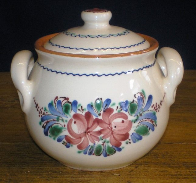 Sugar bowl with traditional hungarian trimmings on it. Handmade.