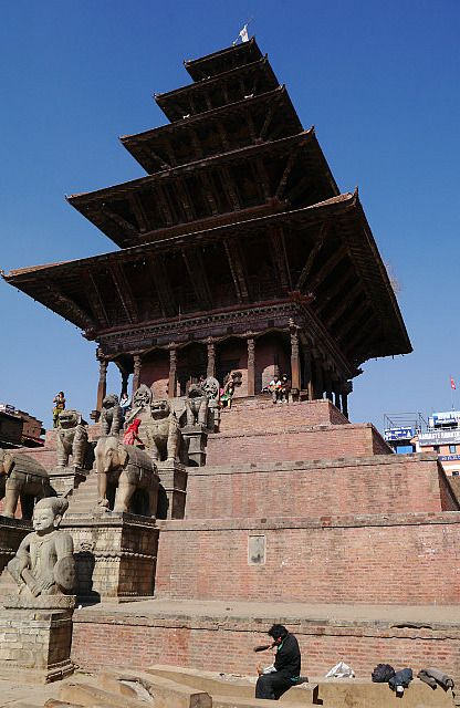 """impressionnant en vrai!"" by TravelPod blogger marco-2010 from the entry ""Bhaktapur et dernier jour à Katmandou"" on Monday, January 20, 2014 in Bhaktapur, Nepal"