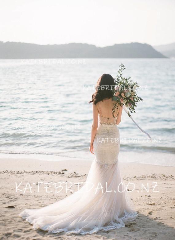 Lace Trumpet Spaghetti Strap Sweetheart Tulle Beach Wedding Dress