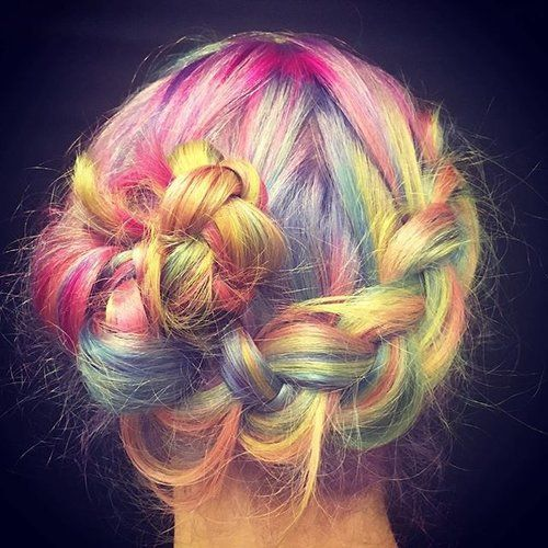 Rainbow hair Friday, with this lust creation . Photo via @thepowderroomcuba  #friday #creativecolor #lusthairnz