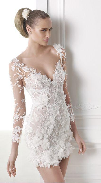 CAPRICORNIO CORTO Atelier Pronovias 2015 Romántico vestido de novia de tul  y encaje con pedrería.