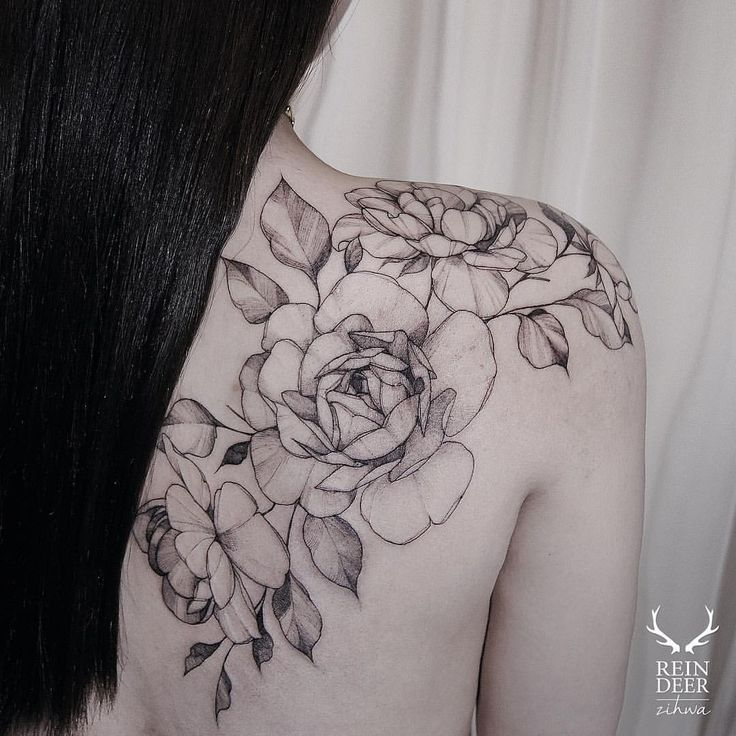 Shoulder & back roses tattoo