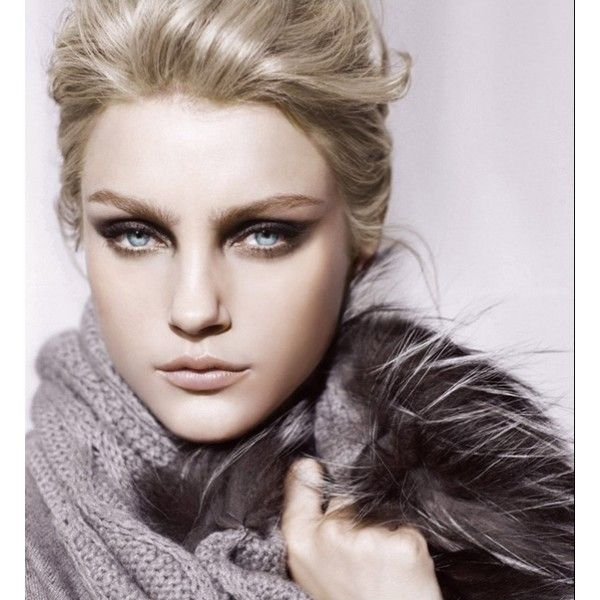 Picture of Jessica Stam ❤ liked on Polyvore featuring models, jessica stam, photos, fundo and girls