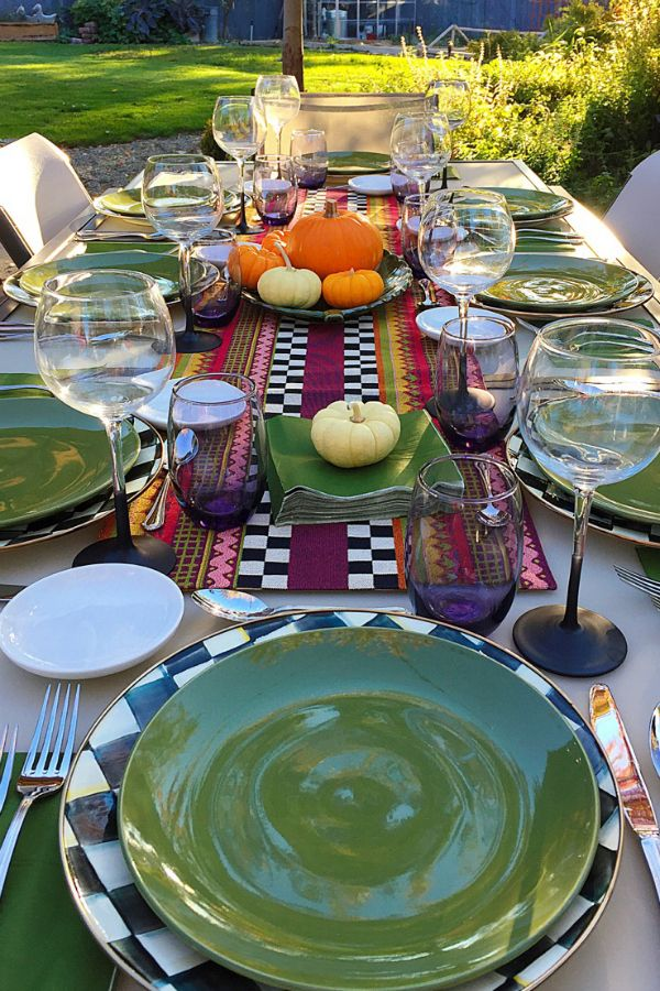 Hosting a Friendsgiving Dinner Party - simplicity of fall colors with pumpkins.