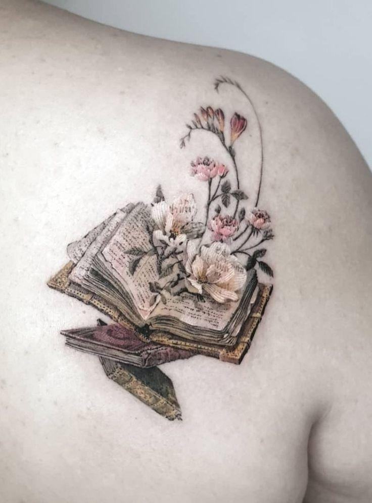 Ehrfurcht gebietende Büchertätowierungen für Literaturliebhaber – – #Tätowierungsideen