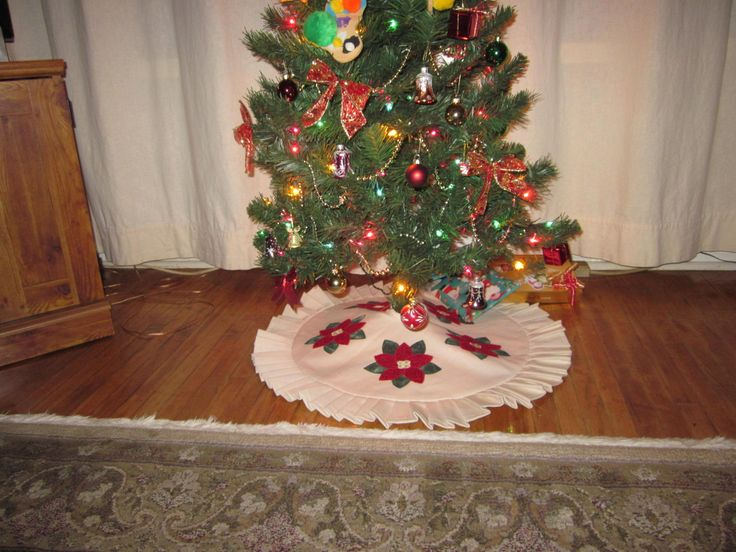 Needed a tree skirt!...Made it!