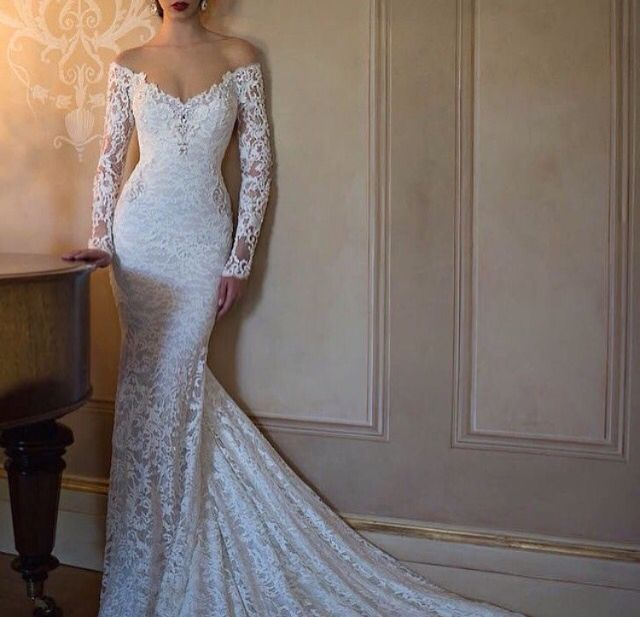 Lacy tight fitting wedding dress with sleeves for Tight fitting wedding dresses