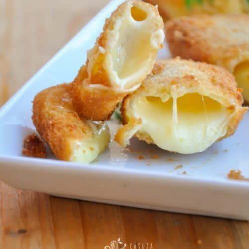 Cascaval pane, o reteta de aperitiv, mic dejun, extrem de populara si de simpla, succesul acestui preparat e asigurat de cateva trucuri simple