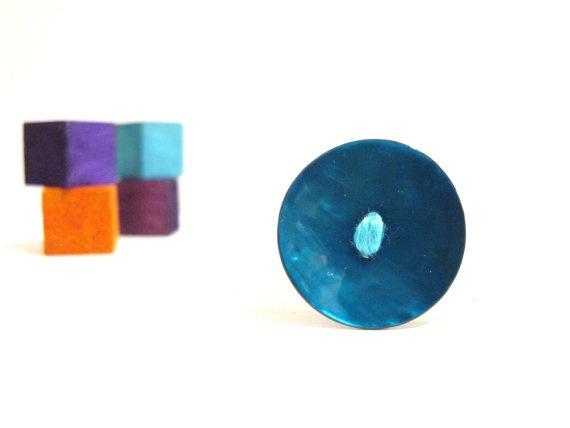 Turqoise aqua shell button ring