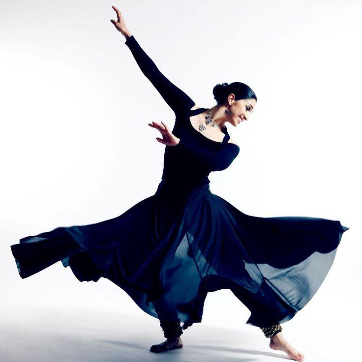 kathak dance on stage actress (3)