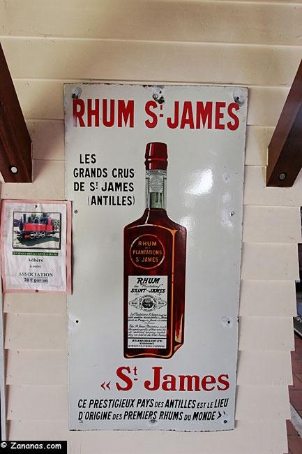 Nord Martinique : Vieille pulicité Rhum Saint-James.