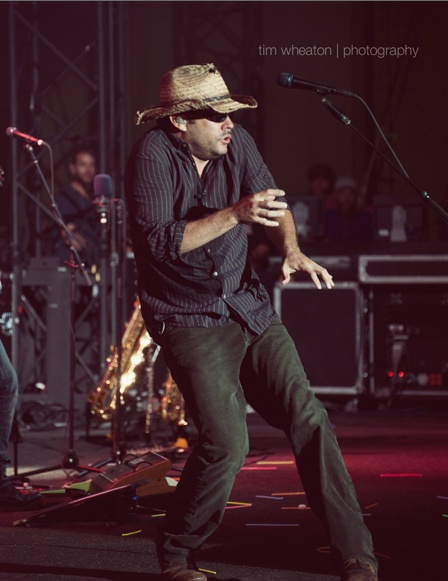 Dave Matthews.. my hero... one of the constant positives in my life.
