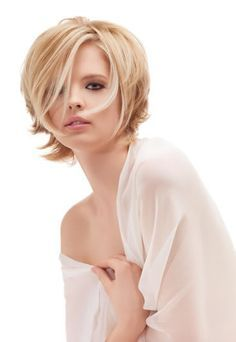 Coiffure courte - carré plongeant - coiffure Carita