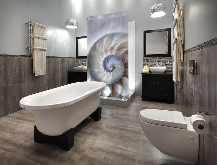 Glass art... endless possibilities #bathroombizarre #bathroom #inspiration #style #modern #classic