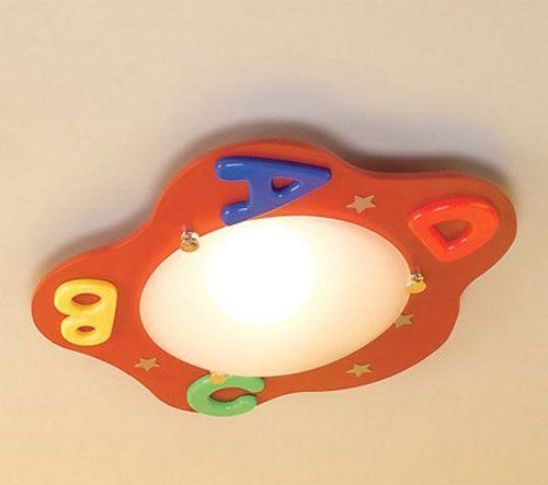 Lampadario per la cameretta di bambini con lettere e stelline
