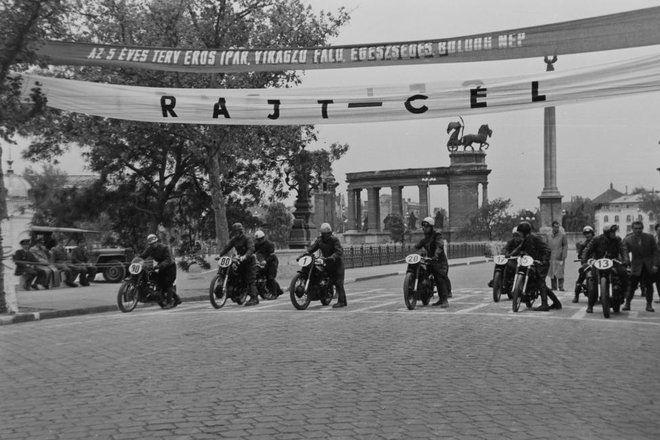 Motorverseny a Városligetben (1949)