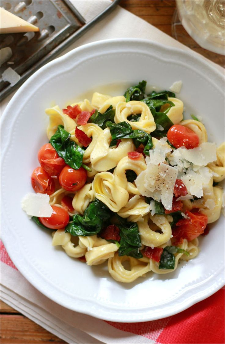 Make Tortellini with Spinach + Tomatoes for lunch or dinner with this healthy recipe.