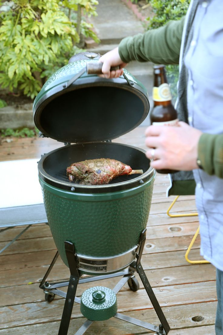 The ideal grill for newbies and experts alike: @BigGreenEgg http://www.popsugar.com/food/Big-Green-Egg-Review-41390941?utm_campaign=share&utm_medium=d&utm_source=yumsugar via @POPSUGARFood