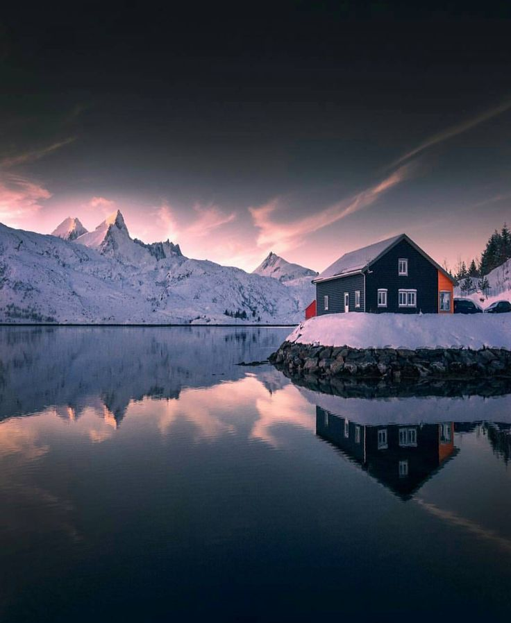 """Mi piace"": 4,138, commenti: 15 - I ❤ NORWAY (@ilovenorway) su Instagram: ""Beautiful reflections in Lofoten #Ilovenorway photo by @merveceranphoto"""