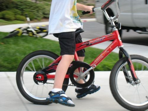 great idea!: Riding A Bike, Kids Stuff, Kids Crap, Bikes, Ride A Bike, Future Children 3, Great Ideas, Training Wheels, Interesting Ideas