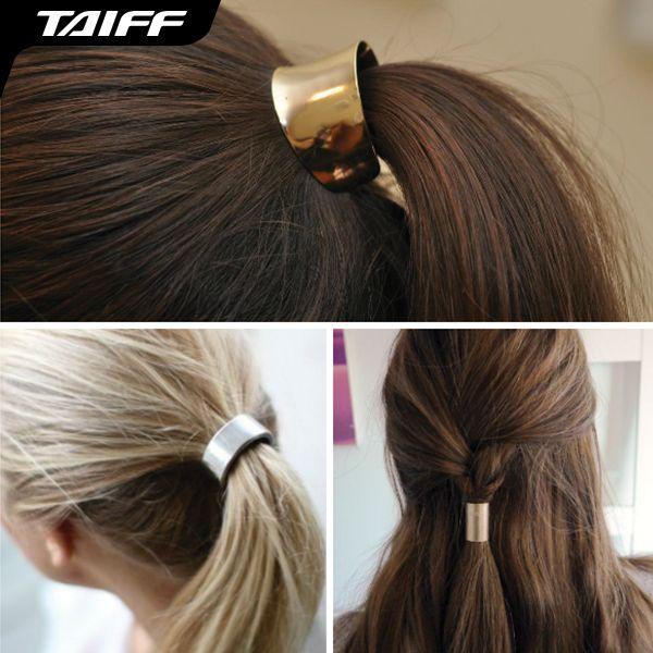 """O Hair Cuff é uma ótima opção para dar um """"up"""" no visual. Ideal para prender rabos de cavalo, tranças ou semi-presos, eles dão um toque supercharmoso. E aí vai a nossa dica: na hora de escolher o acessório, é necessário observar a proporção dele em relação ao comprimento do seu fio.  Fotos: Reprodução"""