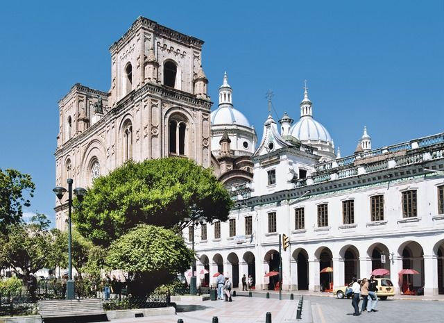 En passant par l'Équateur - Cuenca - Equateur