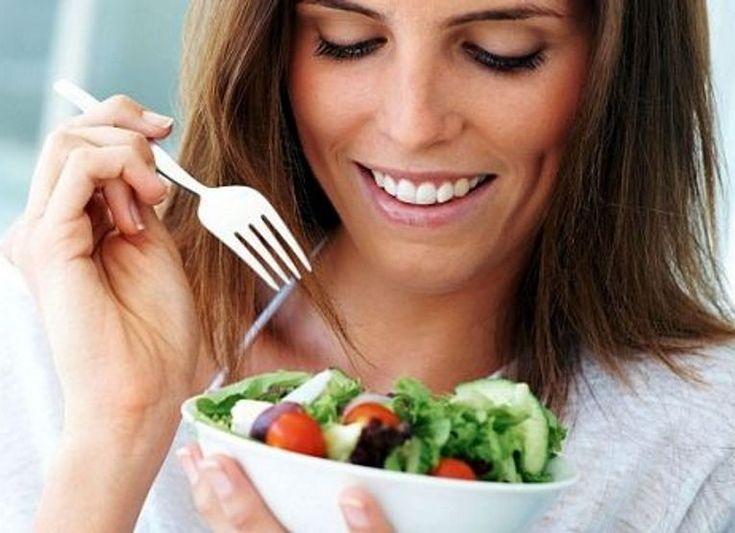 chicas comiendo | Cuidados al adelgazar