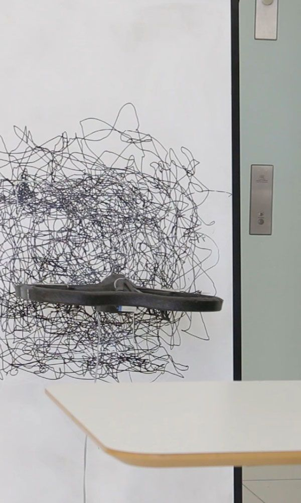 Neural: Sang-won Leigh, Harshit Agrawal, Pattie Maes Flying Pantograph, pipelining transposed drawing http://neural.it/2017/08/flying-pantograph-pipelining-transposed-drawing/