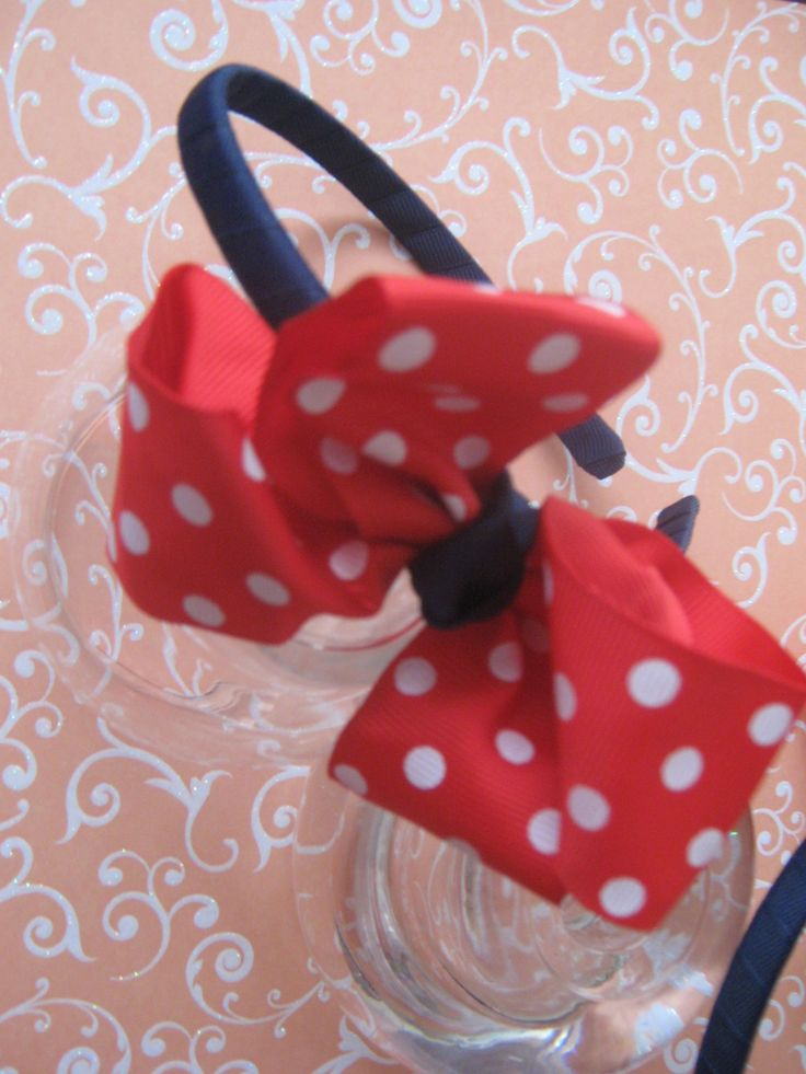 Good for school days, for cheerleaders, and also for Minnie Parties as favors. Genial para ir al colegio, para porristas y como sorpresas en las fiestas temáticas-Minnie.