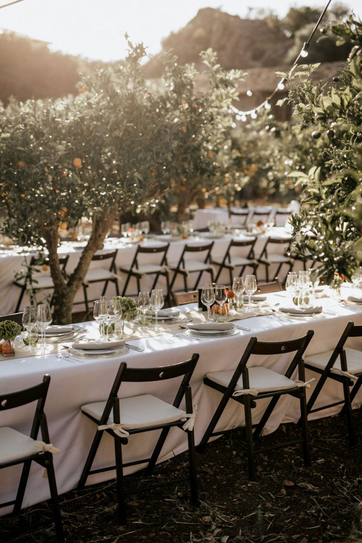 Mediterranean wedding style by Mille Papillons in Mallorca    Pic by Christ&Ruth