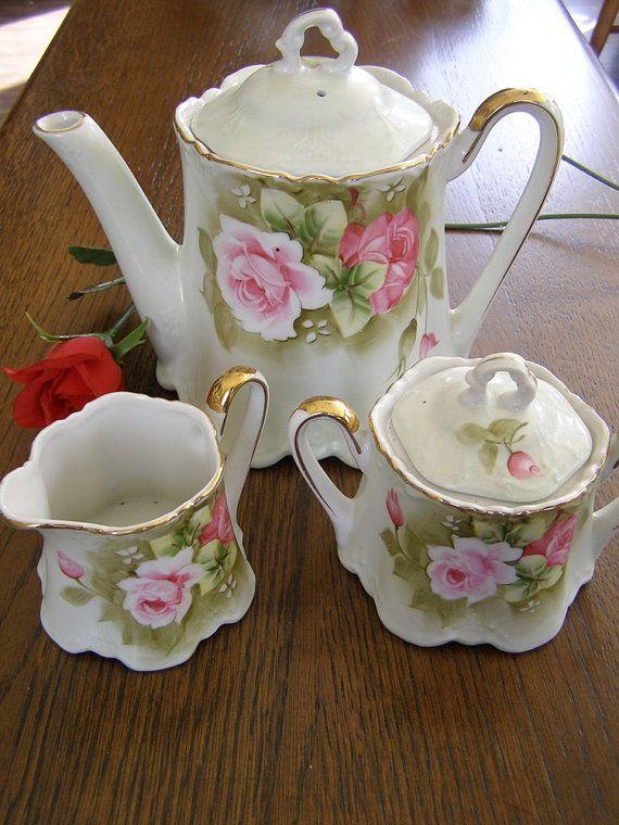 Stunning Vintage Japan Tea Set Teapot Creamer Sugar.