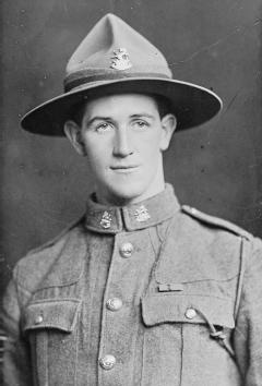 Leslie W Andrew VC  VICTORIA CROSS WINNERS OF THE FIRST WORLD WAR