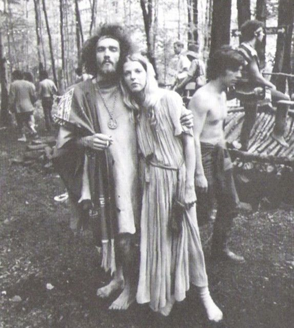 Unidentified couple at Woodstock / 1969. Photo by Ken ...