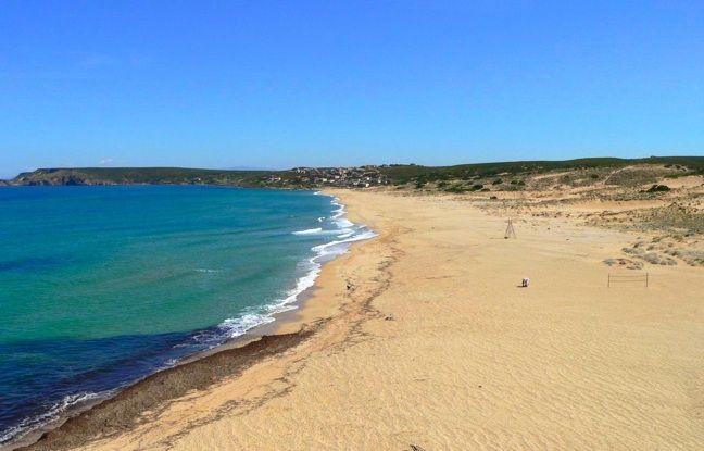 Spiaggia di #Pistis a circa 25 minuti dal #Tartheshotel è sicuramente la spiaggia più vicina e meglio servita. Vicinissimo alla spiaggia è da visitare assolutamente la #CasaDelPoeta. Il servizio sdraio e ombrelloni è prenotabile direttamente #Tartheshotel, cosi come il pranzo e il noleggio canoa , pedalò e il campo da beach volley. www.tartheshotel.com