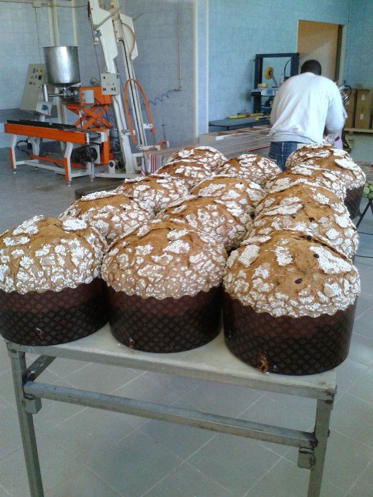 Panettoni of 5 Kg with almond