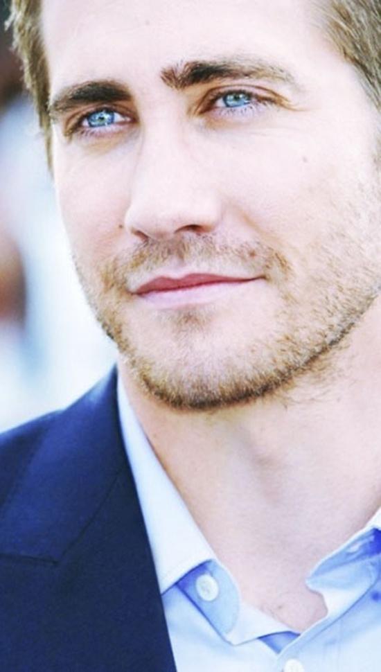 Jake Gyllenhaal..my blue eye fedish