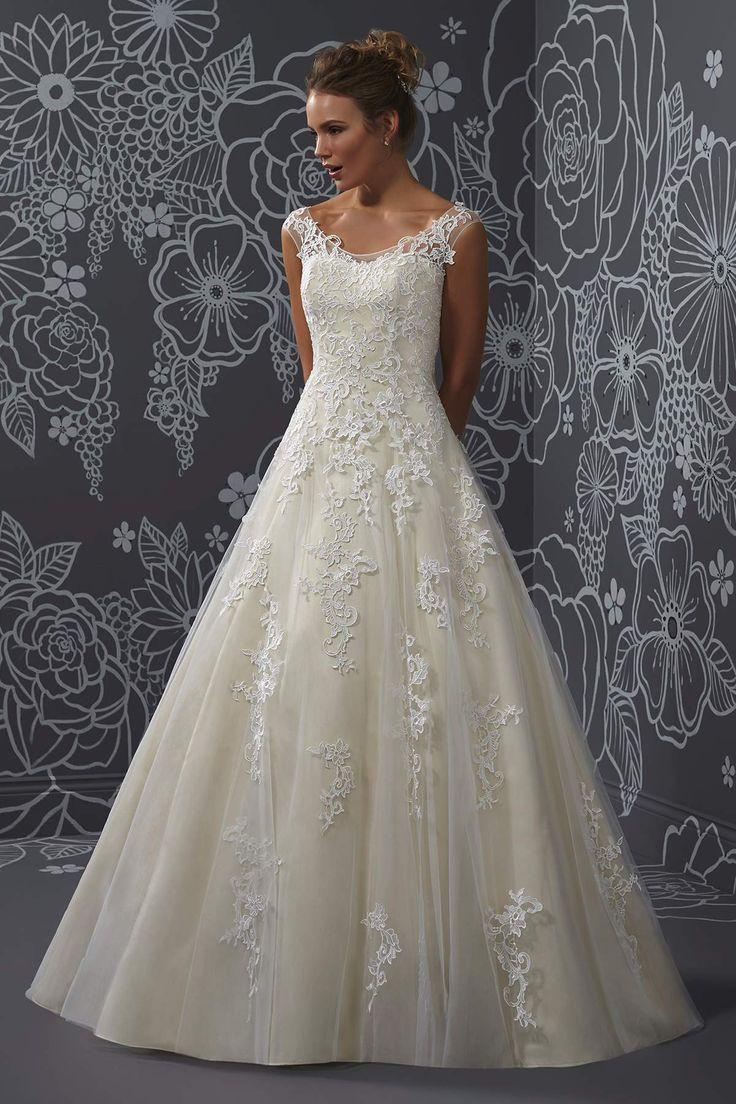 38 best Plus size Wedding Dress images on Pinterest   Short wedding ...