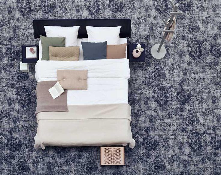 Het #Vintage #tapijt geeft persoonlijkheid aan je #interieur. De #kleuren doen denken aan die van verwassen #jeans en #beton.