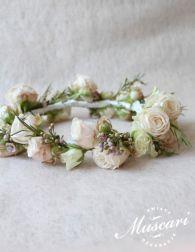 Wianek z różami dla panny młodej