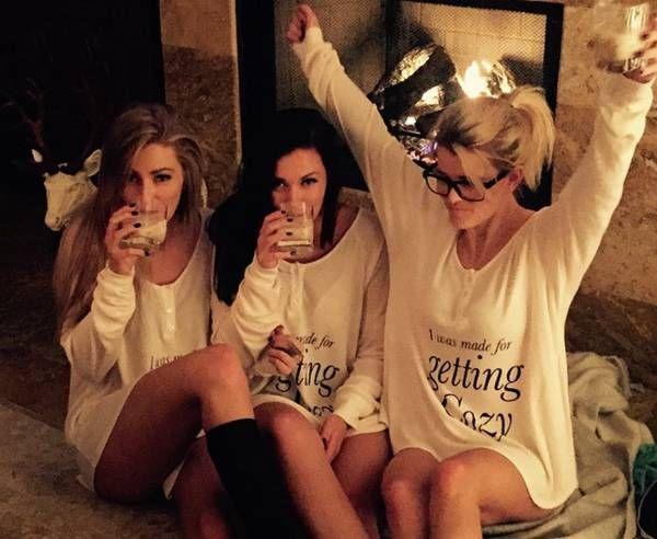 girlfriends partying - Szukaj w Google