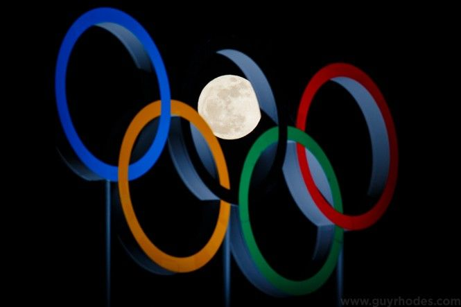 Guy Rhodes --- Moon & Olympic rings and HOW HE DID IT