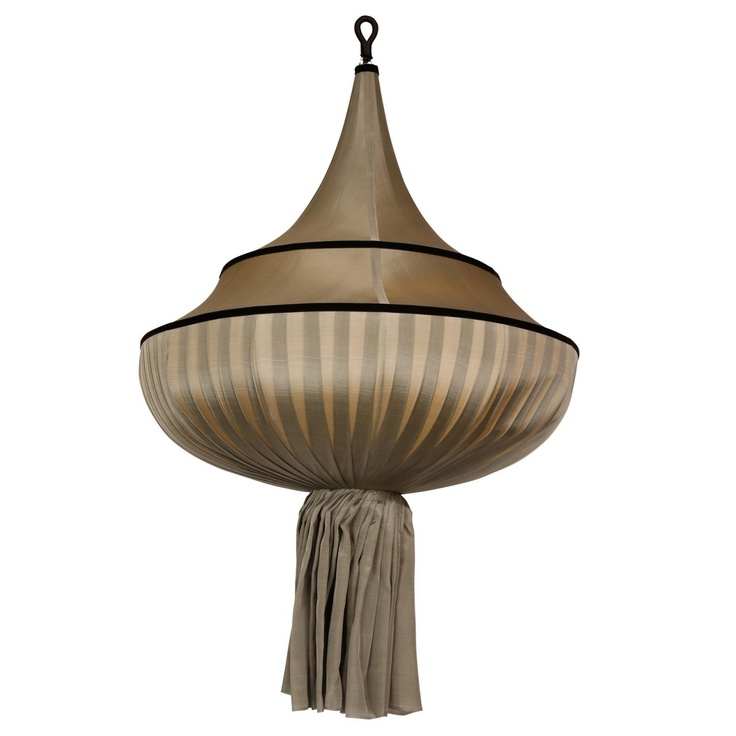 Gong Online Shop - MEDUSE Ceiling Lamp, £530.00 (http://www.gong.co.uk/products/MEDUSE-Ceiling-Lamp.html)