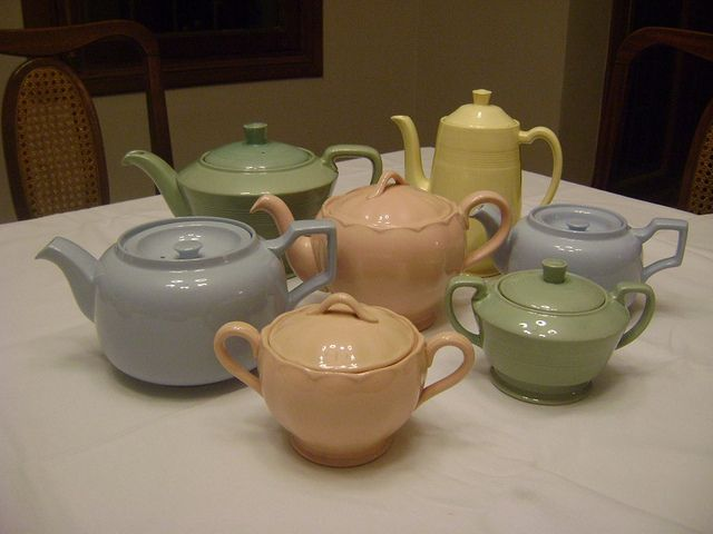 Teapots and sugarbowls by Utilityware, via Flickr