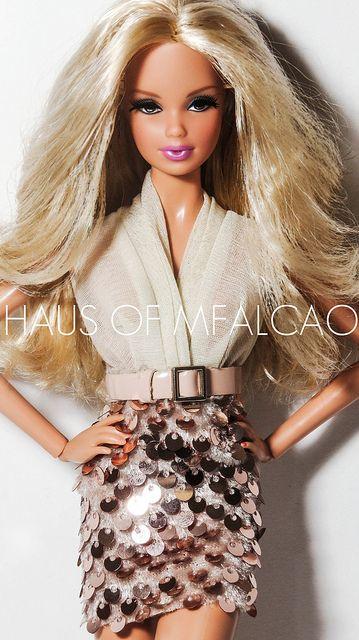 barbies dolls clothes ........./......39.3.32 qw
