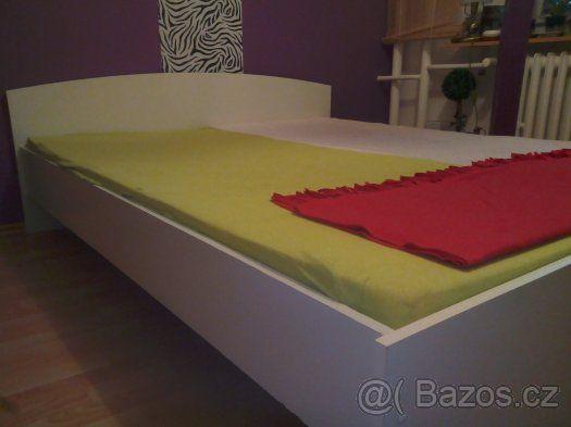 2700 160 s matracem Prodám pěknou bílou manželskou postel-jako nová - Praha 4, prodám