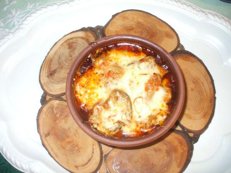 Güveçte tavuklu patlıcan yemeği (Padlizsános csirke cseréptálban) – Szegedi Ági