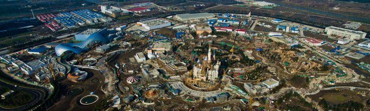 Un investimento di 5,5 miliardi di dollari e oltre 10 anni di pianificazione: la Disney è pronta ad aprire il primo parco divertimenti tematico in Cina.